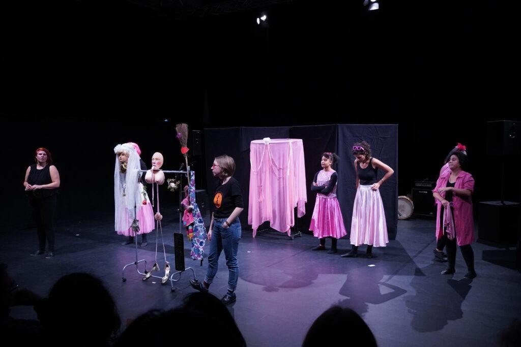 Pink maschine_Forum mit Elly