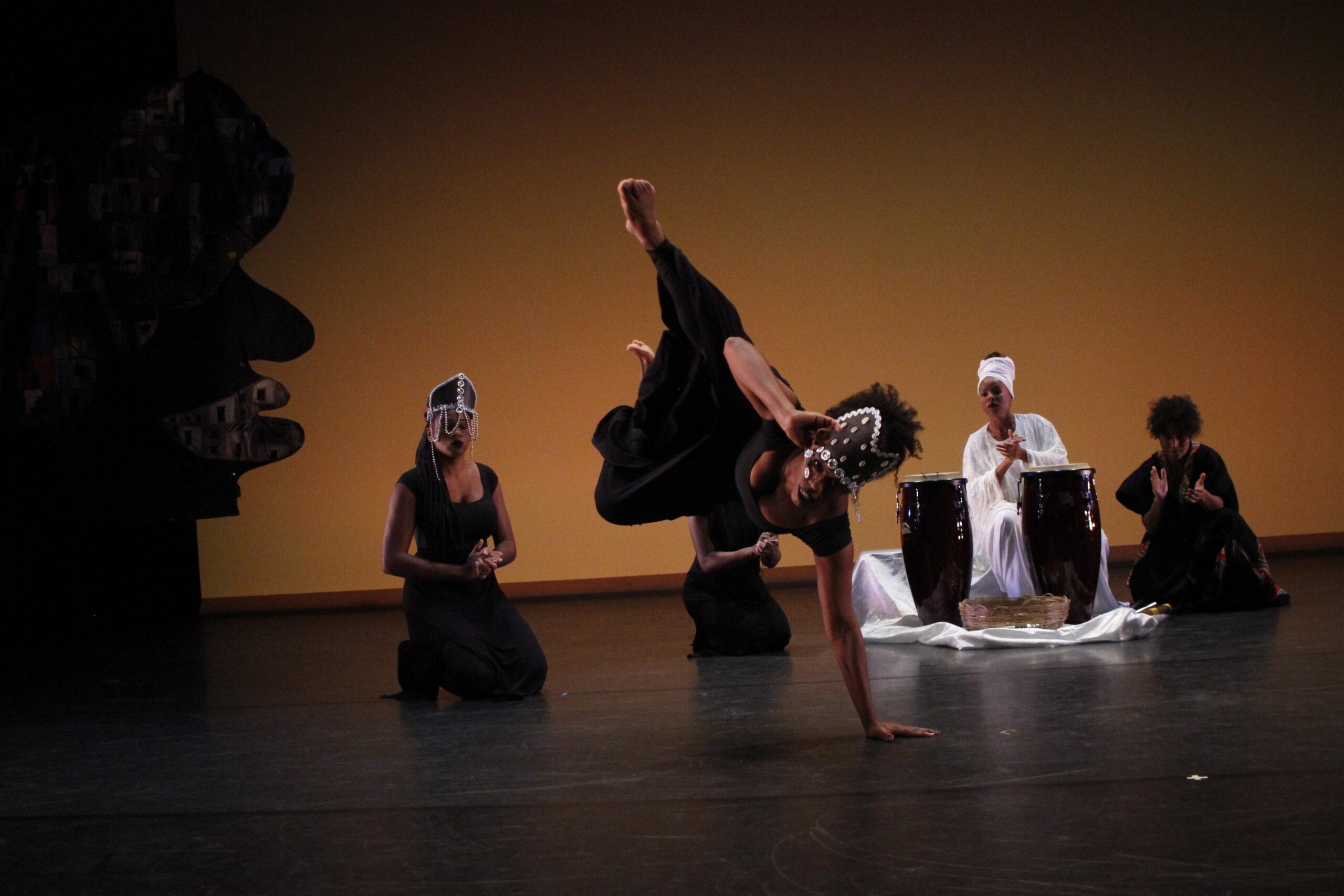 Imagem12-MadalenaAnastacia-Capoeira-Cap2